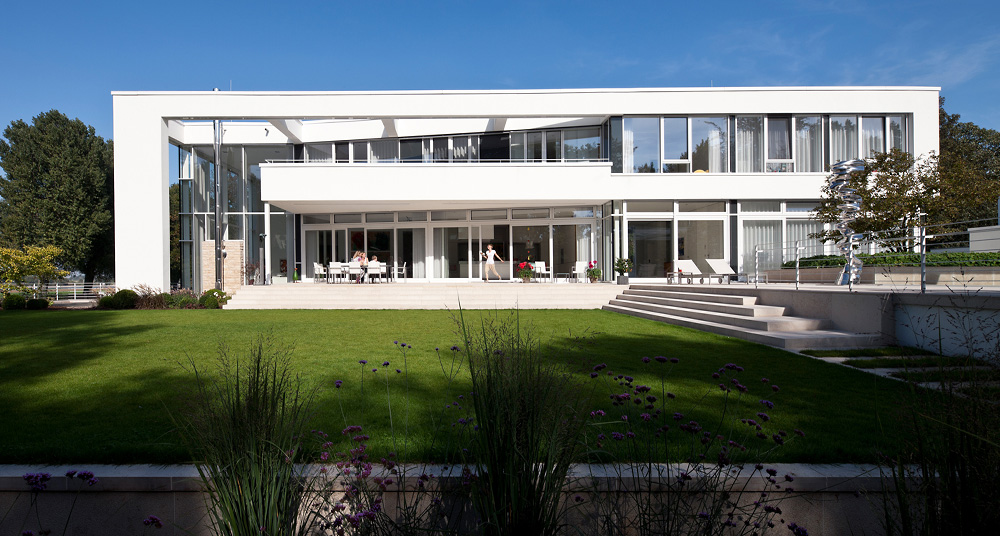 Modern Villas – Villa on the Rhine, Düsseldorf