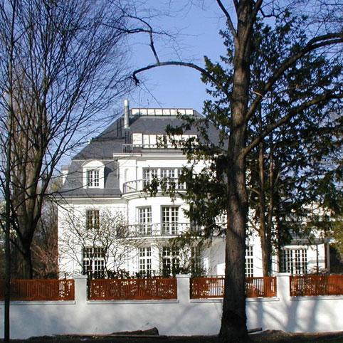 dibelius architects modern villas thomas mann villa munich. Black Bedroom Furniture Sets. Home Design Ideas